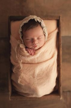 Sandra Hill Photography - Newborn and Baby Portraiture. #PortraiturePhotography