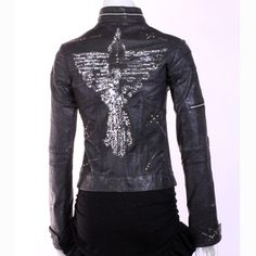 Made in collaboration with KM Rii, this Ernte jacket is truly unique. One-of-a-kind!