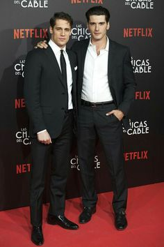 Spanish actors Martino Rivas and Yon Gonzalez attend 'Las Chicas Del Cable' premiere at the Callao cinema on April 2017 in Madrid, Spain. Orphan Black, Grey's Anatomy, Gorgeous Men, Beautiful People, Mejores Series Tv, Girls Series, Cinema, Best Series, Film Serie