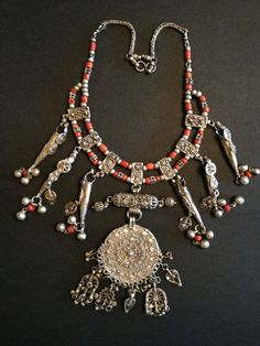 Silver & coral necklace /Yemen
