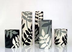 Painted Plant Pots, Painted Flower Pots, Glass Bottle Crafts, Bottle Art, Ceramic Design, Ceramic Art, Pottery Painting Designs, Cement Art, Clay Art Projects
