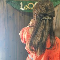 少しずつ秋の気配を感じる今日この頃。シックな秋コーデに合わせ、ヘアアレンジも色っぽい雰囲気にチェンジしてみませんか?簡単にできる大人のヘアアレンジを10選ご紹介します。