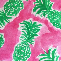 Who doesn't love 🍍🍍 and Lilly Pulitzer? Here's what happened, when I tried to combine two of my favorite things.. #everythingemeraldblog #everythingemeraldblogcomingsoon #LillyPulitzer #pineapple #pink #green #diy #watercolor
