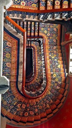 summer vacation photos from Times readers in 2013 A staircase in the St. Pancras Renaissance London Hotel, from the top looking down.A staircase in the St. Pancras Renaissance London Hotel, from the top looking down. Stairway To Heaven, Architecture Design, Amazing Architecture, Building Architecture, Beautiful Stairs, Beautiful Buildings, London Hotels, Grande Cage D'escalier, Best Summer Vacations