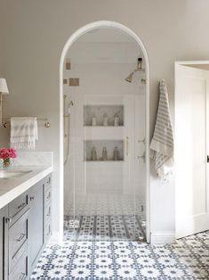 Spanish Style Bathrooms, Spanish Bathroom, Small Space Bathroom, Big Bathrooms, Timeless Bathroom, Bathroom Modern, Bathroom Design Inspiration, Design Ideas, Bathroom Floor Tiles