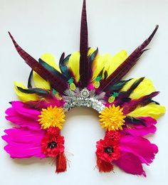 Items similar to Rio Mardi Gras Feather Carnival Festival Floral Head Dress Statement Head Piece Flower Crown on Etsy Carnival Decorations, Carnival Themes, Party Themes, Carnival Dancers, Rio Carnival, Fashion Show Party, Summer Fashion Outfits, Trendy Fashion, Fall Fashion