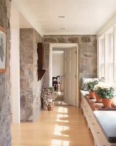 Huestis Tucker Architects stonewall w white trim, storage under window Vie Simple, Highland Homes, Just Dream, Beautiful Interior Design, Entry Hall, Stone Houses, Mudroom, Home Projects, Interior Architecture