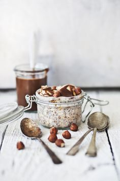 {Overnight oatmeal with bananas and hazelnuts.}