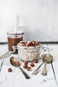 overnight oatmeal with bananas & hazelnuts