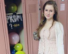 Prom proposal via locker decorations