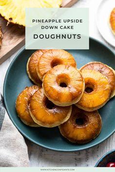 Pineapple Upside Down Cake Doughnuts – transform the ultimate retro Pineapple Upside Down Cake into baked doughnuts, sweet bites of nostalgia! Fun Desserts, Dessert Recipes, Dessert Ideas, Donut Recipes, Baked Doughnuts, Donuts, Baked Pineapple, Doughnut Cake, Pineapple Upside Down Cake