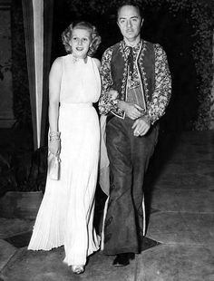 Jean Harlow and William Powell arrive at Marion Davies' Santa Monica home for a birthday party for William Randolph Hearst. May, 1936 Old Hollywood Movies, Golden Age Of Hollywood, Vintage Hollywood, Hollywood Stars, Classic Hollywood, Hollywood Pictures, Hollywood Couples, Hollywood Men, Hollywood Actresses