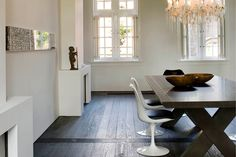 woonkamer inrichten donkere vloer