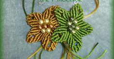 Due grossi fiori in macramè fatti con la coda di topo, possono essere appesi al collo o ai capelli  Tutorial per realizzare il fiore lo...