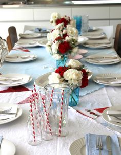 A Christmas table setting with a difference. Aussie Christmas, Summer Christmas, Xmas, Christmas Stuff, Beautiful Table Settings, Christmas Table Settings, Food N, Tablescapes, Sweet Home