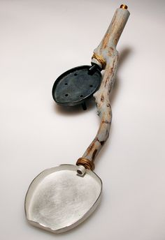Chien-Wei Chang, The Life of a Spoon Silver. Photo by Chien-Wei Chang Metal Jewelry, Jewelry Art, Charles Ray Eames, Ceramic Spoons, Wood Spoon, Silver Spoons, Objet D'art, Vintage Design, Contemporary Jewellery