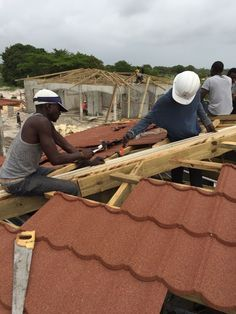 Hot low price high quality new metal roofing tiles (CE,SGS,SONCAP) Africa ,nigeria,kenya,east souht asia thailand, View high quality new metal roofing tiles, San-gobuild Product Details from Singer-Ruser (HZ) Building Materials Tech. Co., Ltd. on Alibaba.com Metal Roof Tiles, Steel Roof Panels, Galvanized Sheet, House Roof, Building Materials, Kenya, Thailand, Asia, Singer