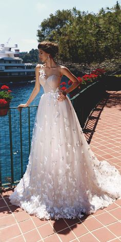 Viero Wedding Dresses 2018 [tps_header] The posh collection by Katherine Joyce is a love story which is told by wedding dresses. [/tps_header] Gowns that was created by this brand are distinguished by luxury, an ideal fit and attenti. Wedding Dresses 2018, Bridal Dresses, Bridesmaid Dresses, Dress Wedding, Dresses Elegant, Stunning Dresses, Gorgeous Dress, Perfect Wedding Dress, Lace Wedding