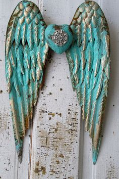 Metal angel wings distressed aqua Caribbean blue gold w/ rhinestone heart shabby cottage chic wall hanging home decor anita spero design Shabby Chic Cottage, Shabby Chic Decor, Cottage Style, Diy Angel Wings, Shabby Chic Wallpaper, Blue Gold, Aqua Blue, Turquoise, Handmade