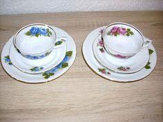 2 St Sammeltassen Goldrand Porzellan Kaffee Tassen rote blaue Rosen Deco vintage