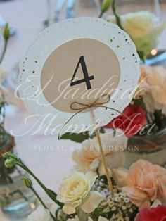 Numeros de mesa con blondas. Table numbers with lace. Www.eljardindemamaana.com Www.facebook.com/eljardindemamaana.com Wedding Table Flowers, Wedding Table Decorations, Wedding Table Numbers, Diy Wedding, Wedding Events, Rustic Wedding, Weddings, Floral Event Design, Lace Table