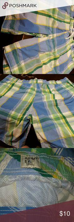Old Navy men's swim trunks Old navy men's swim trunks good condition. Old Navy Shorts Bermudas
