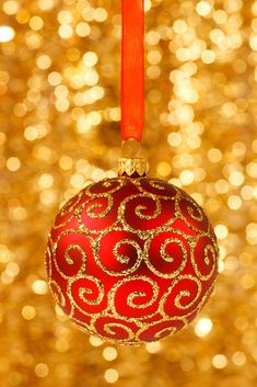 20 Great Ball or Bauble Themed Free Christmas Wallpaper or Christmas Background Images - http://www.myfreetextures.com/20-great-ball-or-bauble-themed-free-christmas-wallpaper-or-christmas-background-images/