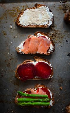 Bacon Jam Crostini With Melted Brie And Roasted Tomatoes Recipes ...