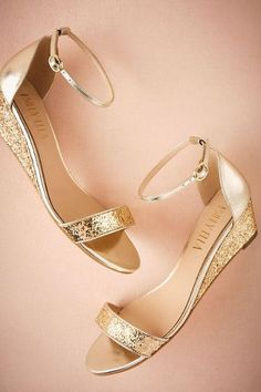 d61add25553 Gold Cristal Wedges | BHLDN Γόβες, Γόβες Στιλέτο, Σανδάλια Πλατφόρμες,  Νυφικά Παπούτσια,