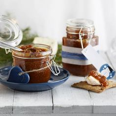 Joulun paras viikunahilloke Diy Christmas Gifts, Christmas Foods, My Jam, Fun Drinks, Chocolate Fondue, Sweet Recipes, Good Food, Cooking Recipes, Pudding