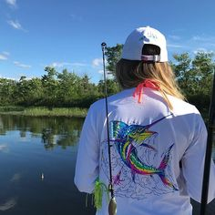 Didn't catch a fish quite as big as the one on my shirt, but it was big for a perch. If you want to see more about my fishing trip yesterday check out my insta story! This fishing shirt is from @haleyandthehound and I'm so excited to finally be able to share with you a great company for WOMEN'S fishing shirts! It's cute, airy, and kept me cool even when I was in direct sunlight. It has protection against the sun which is equivalent to SPF 50+ sunscreen and that is so important to me after my…
