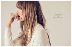 Elle Denmark Sensommer Dage client: Elle Denmark published: August 2015 All people in this editorial: Sean McMenomy - Photographer Henrik Haue - Hair Stylist Caroline Brasch Nielsen - Model