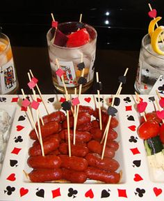The kind of food that you are going to serve during a poker night should be.welcome to aces & ales aces & ales voted best craft beer bar las vegas. Party Food Themes, Casino Party Foods, Party Food And Drinks, Casino Theme Parties, Party Ideas, Las Vegas Party, Casino Night Party, Vegas Theme, Casino Royale