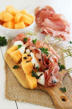 Melon, Proscuitto and Mozzarella Skewers #healthy #snacks #appetizers