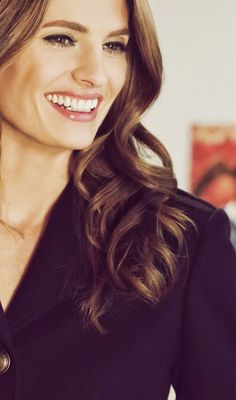 Stana Katic...SHE IS SO PRETTY I COULD DIE.