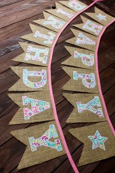 50 Burlap Party Decorations Ideas - Karoll A.N - - 50 Burlap Party Decorations Ideas - Karoll A. Cowgirl Birthday, Cowgirl Party, Happy Birthday Banners, Birthday Decorations, Burlap Decorations, Birthday Bunting, Burlap Party, Teal And Pink, Diy Party