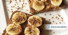 ENERGIEGELADENES FRÜHSTÜCK   Dieses Frühstück enthält praktisch alle Nährstoffe, die du für einen guten Start in den Tag brauchst. Diese Bananen-Toasts sättigen für längere Zeit und versorgen deinen Körper mit ganz viel Energie, damit du allen Herausforderungen und Aufgaben gewachsen bist!! 👌😉