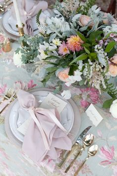 Wedding table by Stacie Shea Events