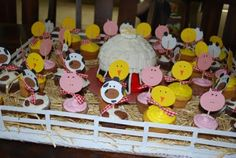 Kids Parties: Farm/Barnyard Party Ideas - Design Dazzle