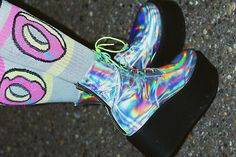 can't get over holographic shoes right now