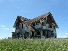 remote new zealand New Zealand Landscape, Close To Home, Stonehenge, Abandoned Houses, Remote, Cabin, Mansions, House Styles, Building