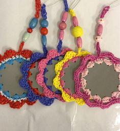Kaksipuolista liimakangasta väliin, reiät nahkapaskalla ja sitten virkkaamaan iloisia värejä. Heijastimia rintanapeiksi, Kukkia ja perh... Christmas Fair Ideas, Christmas Diy, Textile Fabrics, Stuff To Do, Diy And Crafts, Crochet Necklace, Projects To Try, Presents, Embroidery
