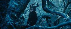 """Assista ao teaser-trailer do filme """"Malévola"""" http://cinemabh.com/trailers/assista-ao-teaser-trailer-do-filme-malevola"""