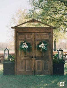 20 Rustic Outdoor Wedding Ceremony Entrance Ideas with Old Doors On a Budget - Oh Best Day Ever 20 Rustic Outdoor Wedding Entrance Decoration Ideas. Barn Door Wedding, Outdoor Wedding Entrance, Outside Wedding, Outdoor Ceremony, Ceremony Backdrop, Wedding Backdrops, Old Doors Wedding, Church Wedding, Wedding Bride
