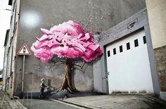 Nuovo muro dello street artist francese Yann Metivier aka Pakone