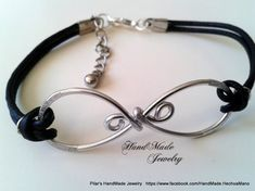 Leather Bracelet . Infinity Bracelet . Unisex Bracelet .  Wirework Bracelet Valentine's Bracelet . Gift for him . Friendship Bracelet BFF Mira este artículo en mi tienda de Etsy: https://www.etsy.com/es/listing/490002750/pulsera-de-piel-con-simbolo-infinito-en