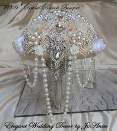 CHANDELIER BRIDAL BROOCH BOUQUET  - Elegant Wedding Decor by JoAnne