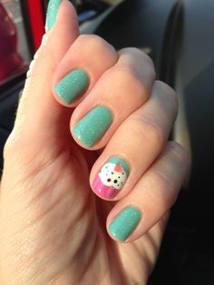 Cupcake accent / birthday nails.