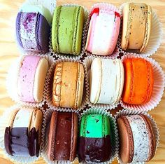 """food-porn-diary: """"Macaron ice cream sandwiches from MILK (Los Angeles) """" Slow Cooker Desserts, Fun Desserts, Delicious Desserts, Yummy Food, Food Design, Macaron Ice Cream Sandwich, Icecream Sandwich, La Eats, Food Porn"""