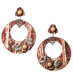 Pendiente de flamenca. Aro de esmalte veneciano con flores esmalte y aplicaciones trabajadas en estaño. Serie 'Stannum' Degradé en fresa.